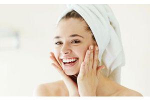 Quelle-routine-de-rentrée-pour-les-peaux-grasses-et-acnéiques?