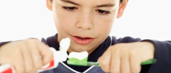 Je n'ai plus de dentifrice pour mes enfants, peuvent-ils utiliser le mien ?